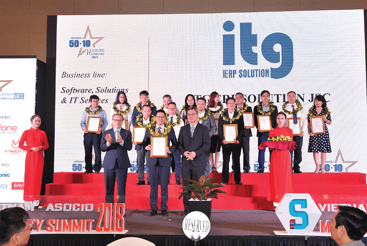 itg-dat-giai-thuong-top-50+10-doanh-nghiep-cntt-hang-dau-viet-nam-01